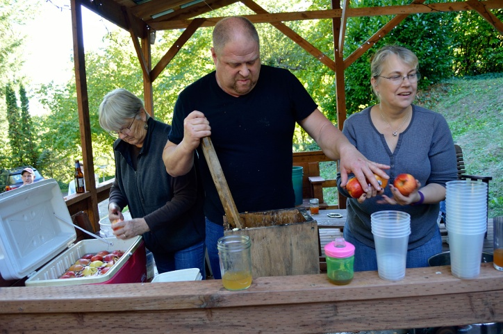 Apple Pressing 2015 Apple Grabber