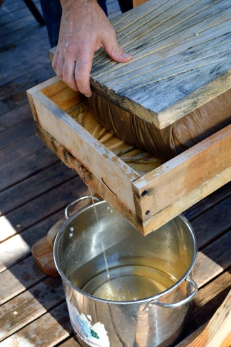 Apple Pressing 2015 Juice Draining