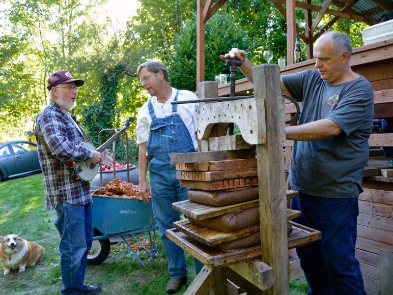 Apple Pressing 2015 Setting the Scene
