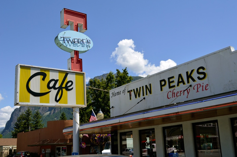 Twin Peaks Twedes Cherry Pie Sign